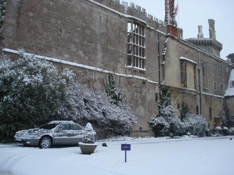 Ein Teil des Thornbury Castles, dort wo mein Auto geparkt ist, besteht nur noch aus Außenmauern.