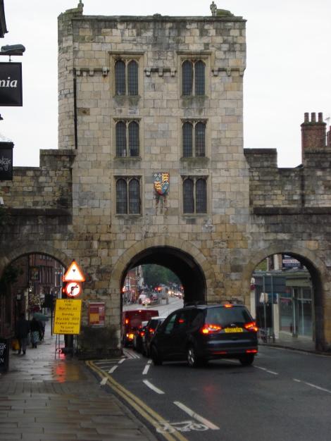 """The Micklegate Bar in York. Hier wird am Yorkshire Day die """"declaration. Eigenes Foto."""