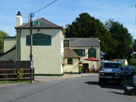 The Crown in Finglesham.    © Copyright Robin Webster and   licensed for reuse under this Creative Commons Licence.
