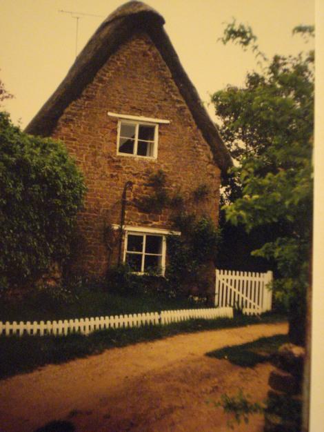 Auch hier in diesem Cottage in Shutford (Oxfordshire) wohnte ich einmal kurzzeitig. Eigenes Foto.