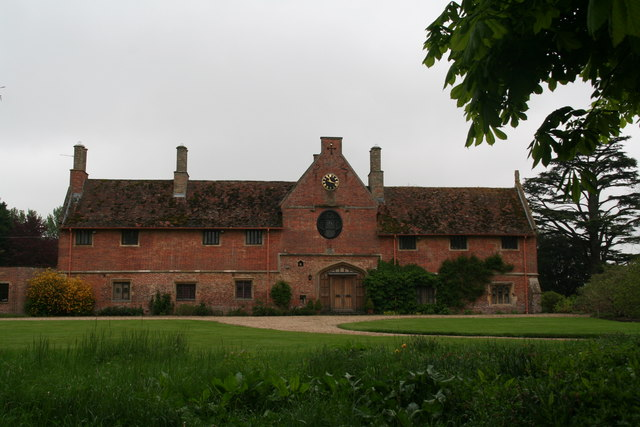 Scrivelsby Gate House in Lincolnshire.   © Copyright Chris and   licensed for reuse under this Creative Commons Licence.