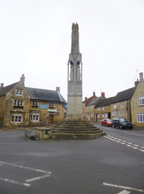 Das Eleanor Cross in Geddington.    © Copyright Mike Faherty and   licensed for reuse under this Creative Commons Licence.