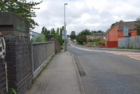 Die Nortfield Road in Netherton. auf der die Anker damals nach Dudley gezogen wurden.    © Copyright Brian Clift and   licensed for reuse under this Creative Commons Licence.
