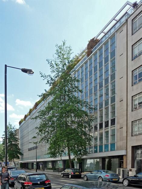 Das Sanderson Hotel in der Berners Street wurde an der Stelle erbaut, in dem Mrs Tottenham einst wohnte.   © Copyright Stephen Richards and   licensed for reuse under this Creative Commons Licence.