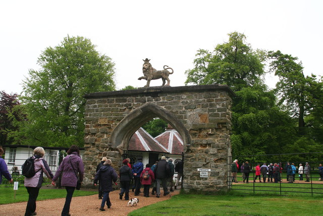 The Lion's Gate in Scriverlsby.   © Copyright Chris and   licensed for reuse under this Creative Commons Licence.