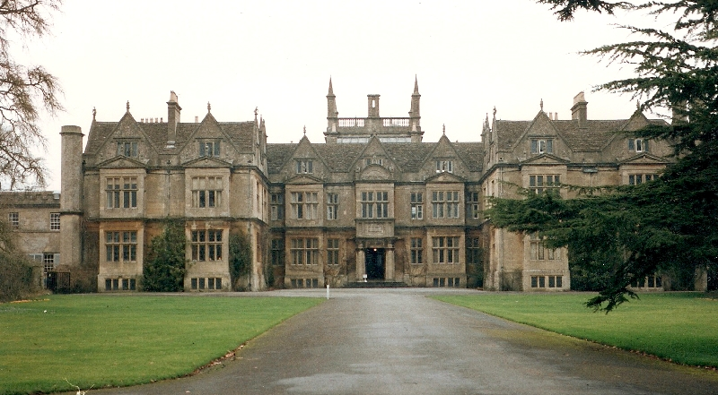 Corsham Court. Author: Rodhullandemu. This file is licensed under the Creative Commons Attribution-Share Alike 3.0 Unported license.
