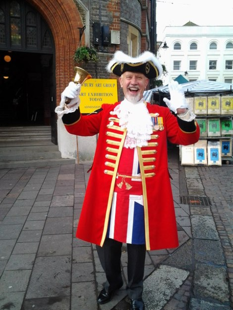 Der Town Crier von Newbury in Berkshire.    © Copyright Bill Nicholls and   licensed for reuse under this Creative Commons Licence.