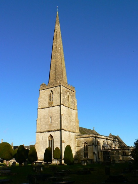 St Mary's in Painswick (Gloucestershire). Von diesem Turm müssen die Teddybären herunterspringen.   © Copyright Brian Robert Marshall and licensed for reuse under this Creative Commons Licence.