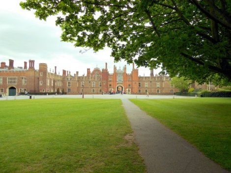 Hampton Court Palace.    © Copyright Paul Gillett and   licensed for reuse under this Creative Commons Licence.