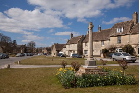 Das Village Green von Biddestone.    © Copyright Doug Lee and   licensed for reuse under this Creative Commons Licence.