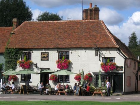 The Fox Inn.    © Copyright Richard Green and   licensed for reuse under this Creative Commons Licence.