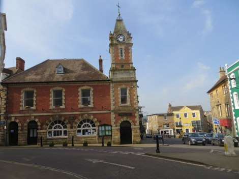Wincanton (Somerset) Town Hall. In dieser Kleinstadt hatte Rodney Legg sein Hauptquartier.    © Copyright Peter Wood and   licensed for reuse under this Creative Commons Licence.