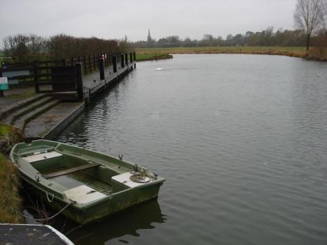 ...bis hier nach Lechlade in Gloucestershire. Das Foto zeigt St John's Lock. Eigenes Foto.