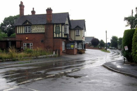 The Swan & Castle in Quainton.    © Copyright Philip Jeffrey and   licensed for reuse under this Creative Commons Licence.