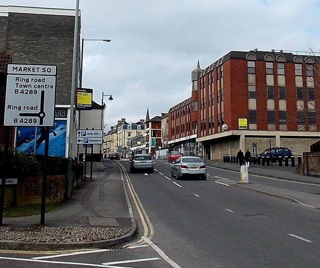 Swindons High Street.   © Copyright Jaggery and   licensed for reuse under this Creative Commons Licence.