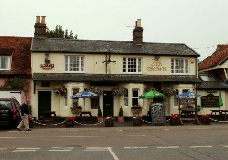 The Old Crown in Messing.    © Copyright Robert Edwards and   licensed for reuse under this Creative Commons Licence.