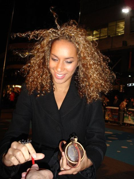 Leona Lewis im Jahr 2006. his work has been released into the public domain by its author, Steven Braganza.