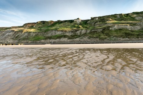 Trimingham Beach in Norfolk. Hier wurde noch bis in die 1970er Jahre nach Minen gesucht.   © Copyright Julian Dowse and licensed for reuse under this Creative Commons Licence.