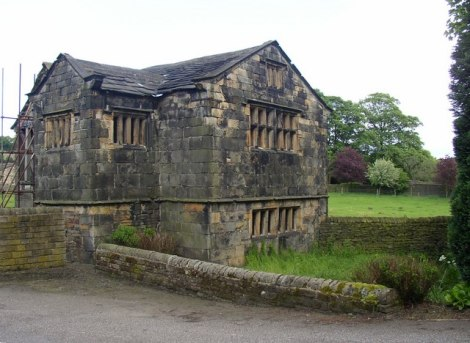 Das Kirklees mPriory Gatehouse.   © Copyright Humphrey Bolton and licensed for reuse under this Creative Commons Licence.