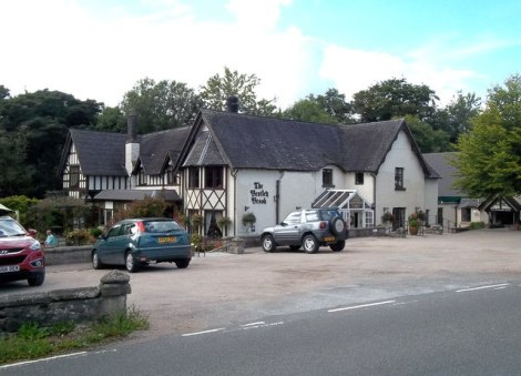...und hier werden die Weltmeisterschaften jetzt ausgetragen, im Bentley Brook Inn in Fenny Bentley (Derbyshire).   © Copyright Jonathan Clitheroe and licensed for reuse under this Creative Commons Licence.