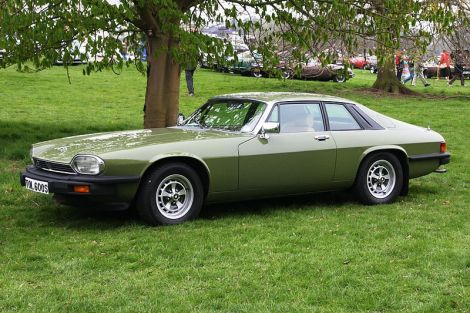Ein Jaguar XJ-S. Author: Charles 01. This file is licensed under the Creative Commons Attribution-Share Alike 3.0 Unported license.