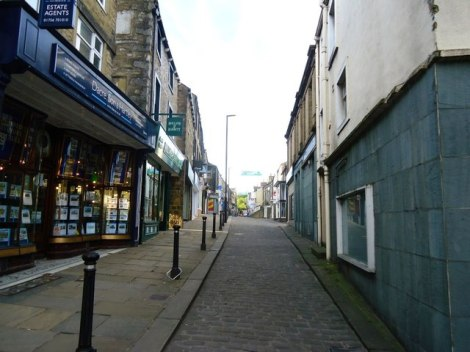 Die Sheep Street in Skipton.   © Copyright Robert Murray and licensed for reuse under this Creative Commons Licence.