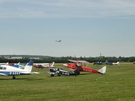 Das White Waltham Airfield.   © Copyright Phil Smith and licensed for reuse under this Creative Commons Licence.