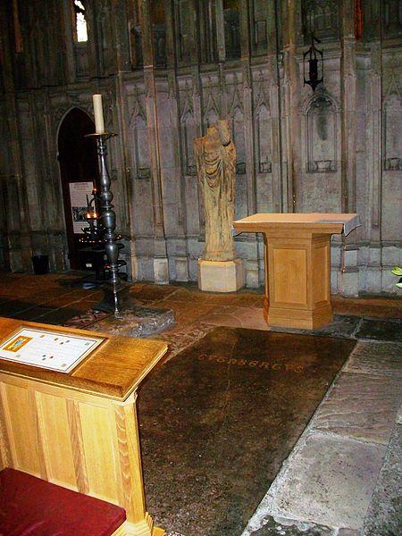 Das Grab des Heiligen Cuthbert in der Kathedrale von Durham. War er für das Wunder von Durham verantwortlich? This work is releades into the public Domain.