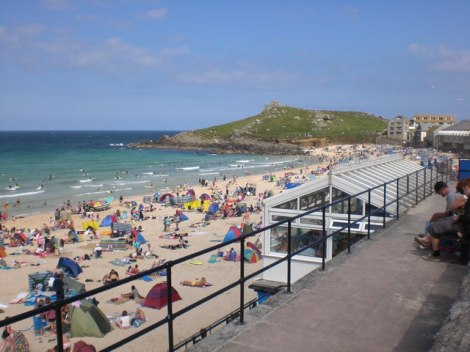 Platz 5: Portmeor Beach bei St Ives.   © Copyright Dave Beynon and licensed for reuse under this Creative Commons Licence.