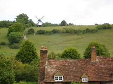 Die Tschitty Tschitty Bang Bang-Windmühle oberhalb Turvilles. Eigenes Foto.