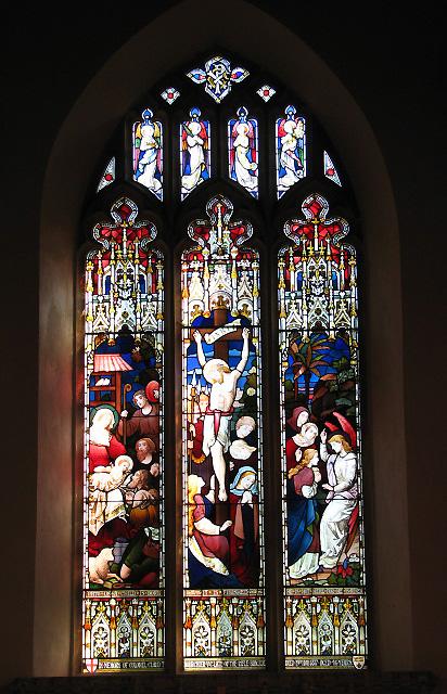 Das Ostfenster von St Margaret's, dessen unterer Teil an Claud Thomas Bourchier erinnert.  © Copyright Evelyn Simak and licensed for reuse under this Creative Commons Licence.