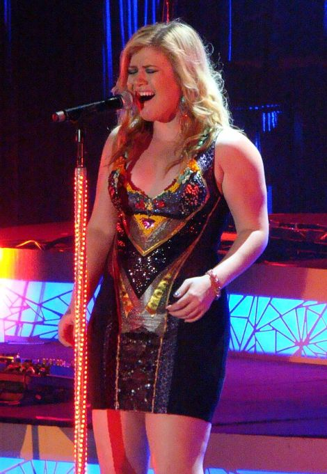 Kelly Clarkson. Author: vagueonthehow. This file is licensed under the Creative Commons Attribution 2.0 Generic license.
