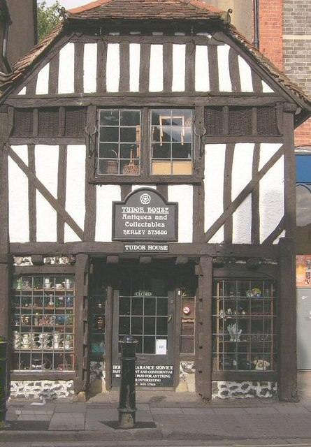 The Old Tudor House in der Duke Street.   © Copyright Kurt C and licensed for reuse under this Creative Commons Licence.