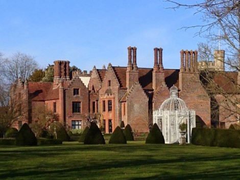 Chenies Manor House.   © Copyright Mark Percy and licensed for reuse under this Creative Commons Licence.