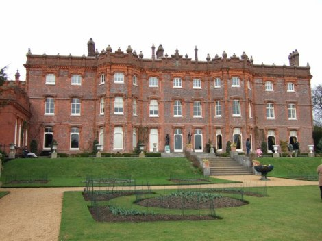 Hughenden Manor.    © Copyright Rob Farrow and licensed for reuse under this Creative Commons Licence.