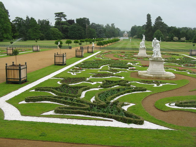 Die Gartenanlagen von Wrest Par.  © Copyright M J Richardson and licensed for reuse under this Creative Commons Licence.