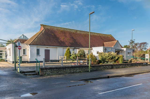 Die Memorial Hall in West Wittering.  © Copyright Ian Capper and licensed for reuse under this Creative Commons Licence.