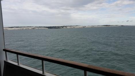 Die weißen Klippen von Dover kommen in Sicht. Eigenes Foto.