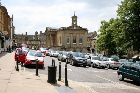 Das zentrum von Chipping Norton.   © Copyright roger geach and licensed for reuse under this Creative Commons Licence.
