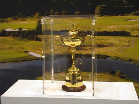 Der Ryder Cup. Author: Dan Perry. This file is licensed under the Creative Commons Attribution 2.0 Generic license.