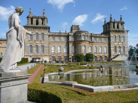 Der Blenheim Palace in Oxfordshire, nach dem die Produktserie Blenheim Bouquet benannt wurde.  © Copyright Francois Thomas and licensed for reuse under this Creative Commons Licence.