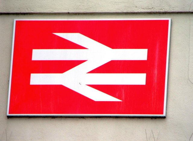 "Das Logo der British Rail, das gern auch als ""The Arrows of Indecession"" genannt wird.   © Copyright nick macneill and   licensed for reuse under this Creative Commons Licence."