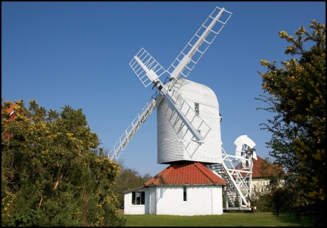 """Die Windmühle neben dem """"Wolkenhaus"""".  © Copyright Cameraman and licensed for reuse under this Creative Commons Licence."""