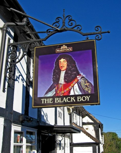 The Black Boy in Bewdley (Worcestershire). Das Pubschild zeigt Charles II.    © Copyright P L Chadwick and   licensed for reuse under this Creative Commons Licence.