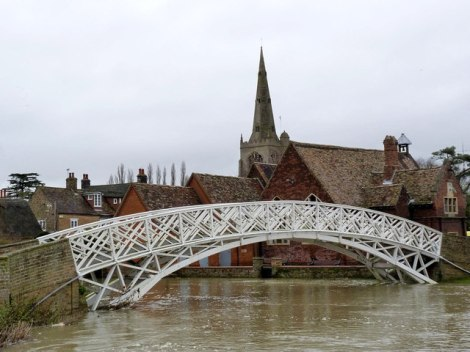 Godmanchester, die Great Ouse und die Chinese Bridge.   © Copyright Alan Murray-Rust and licensed for reuse under this Creative Commons Licence.