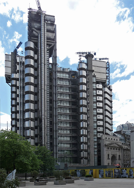Das Hauptquartier von Lloyd's of London.   © Copyright Stephen Richards and licensed for reuse under this Creative Commons Licence.