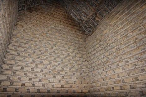 Und so sieht es im Inneren des Taubenhauses von Newton aus. Es bietet Platz für etwa 1000 Vögel.  © Copyright Richard Croft and licensed for reuse under this Creative Commons Licence.